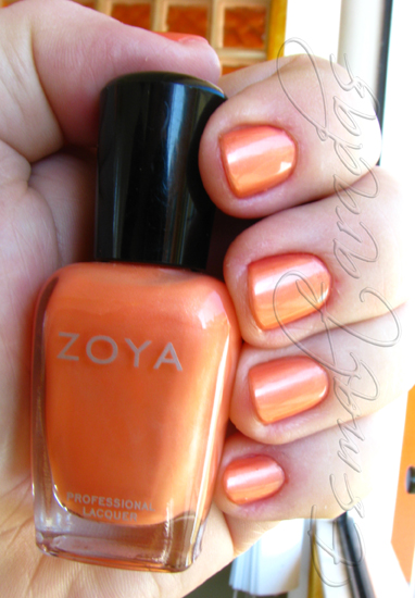 Swatch Poppy - Zoya 2