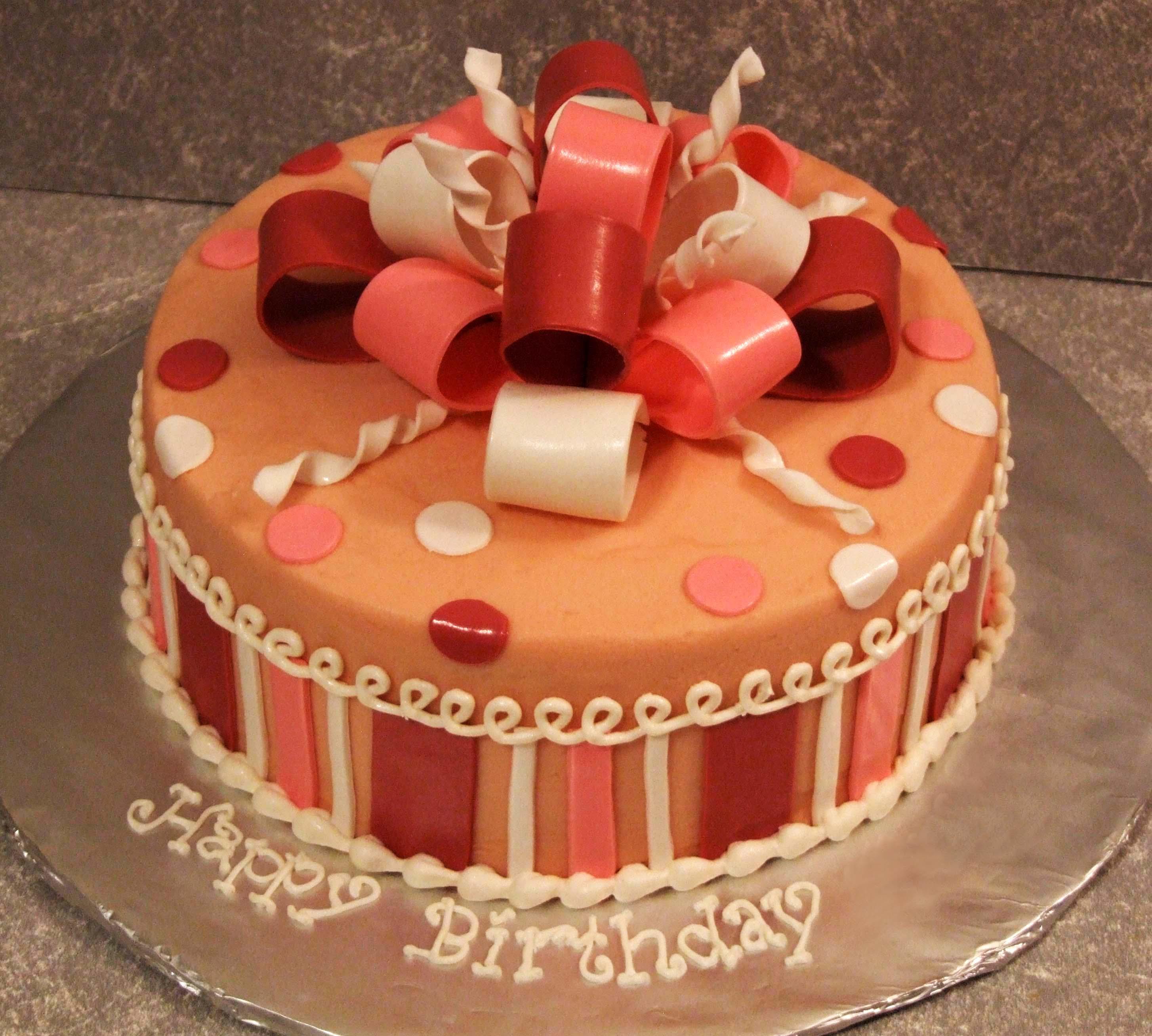 Fondant Cake Design Rosemount : Bolo de niver Esmaltaradas por Esmaltes