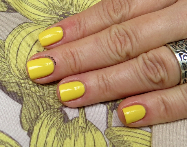 Mellow Yellow - Sally Hansen3